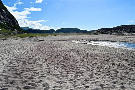 Beach trip to Mjelle in Bodø - Arctic Hikes